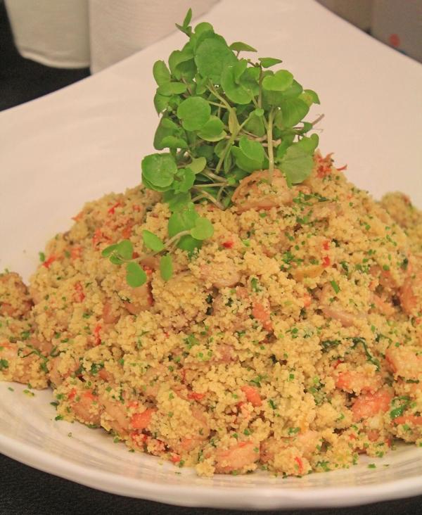 Salada de Couscous Marroquino com Frutos do Mar (Camarão, Lula e Polvo)