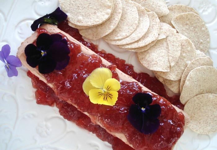 Patê de Foie Gras com Flores Comestíveis