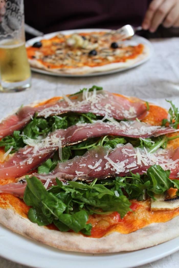 Pizza al Prosciutto e Rucola