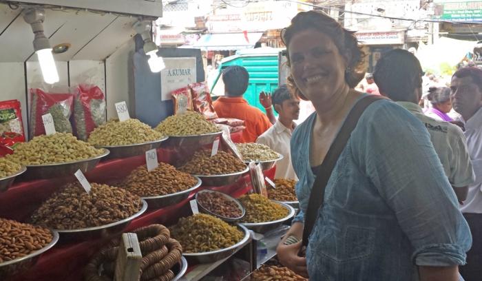 No mercado de especiarias em Old Delhi