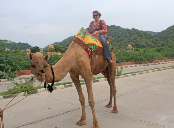 passeio de camelo próximo ao Forte