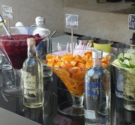 Almoço com Bar de Caipis