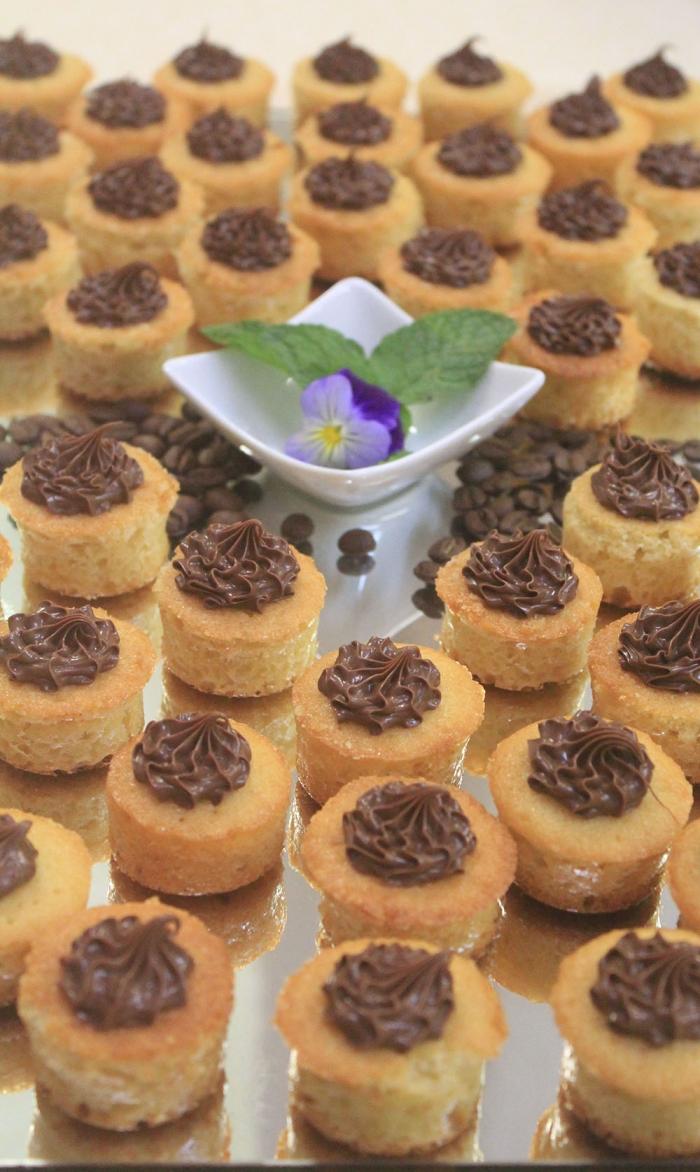 Mini Cake de Baunilha com Nutella
