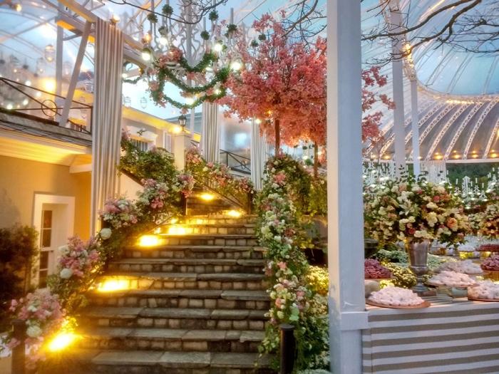 escada de acesso a festa...
